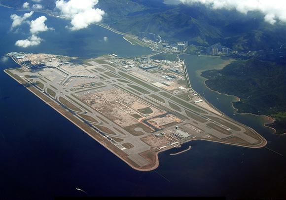 hong-kong-airport-by-andres-vallve