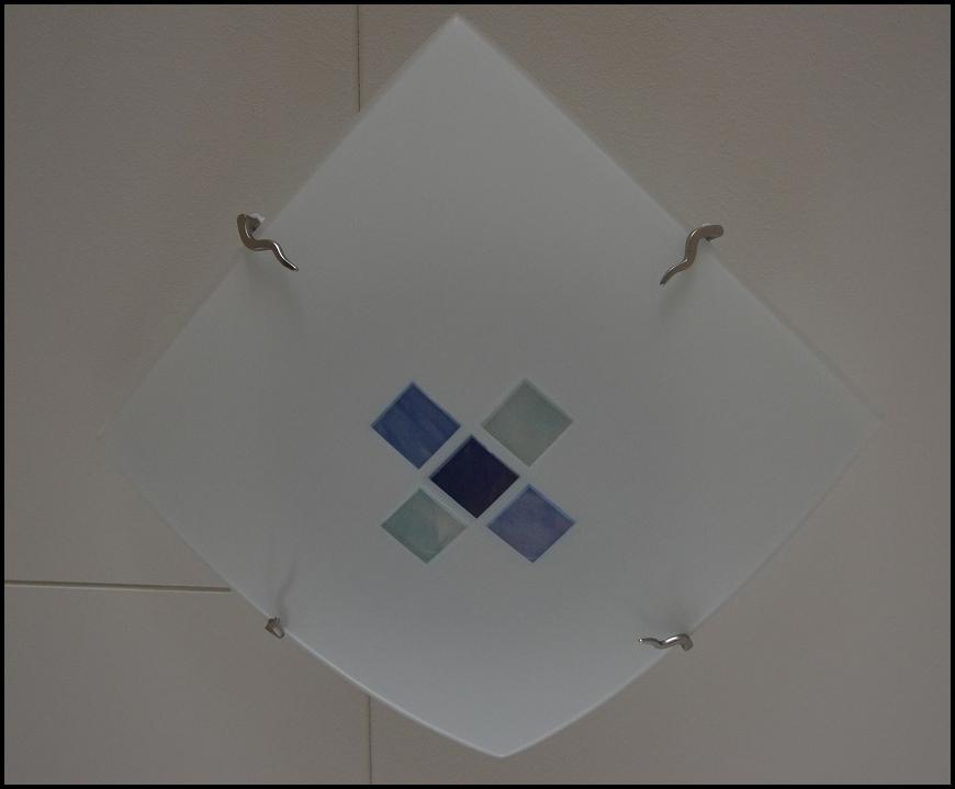 Taklampa i hallen
